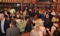 Luda zabava u Phanas pubu uz živu muziku